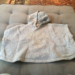 Genuine Kids by Osh Kosh Gray poncho 3T